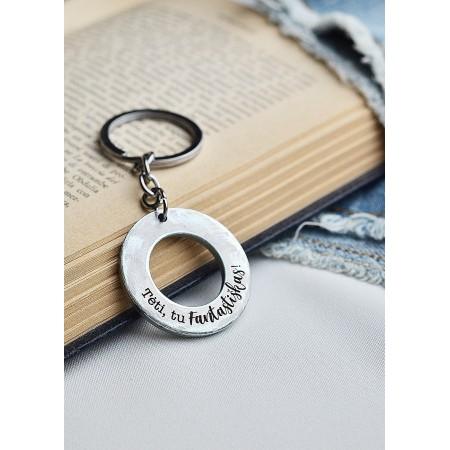 Dovana tėčiui: graviruotas raktų pakabukas
